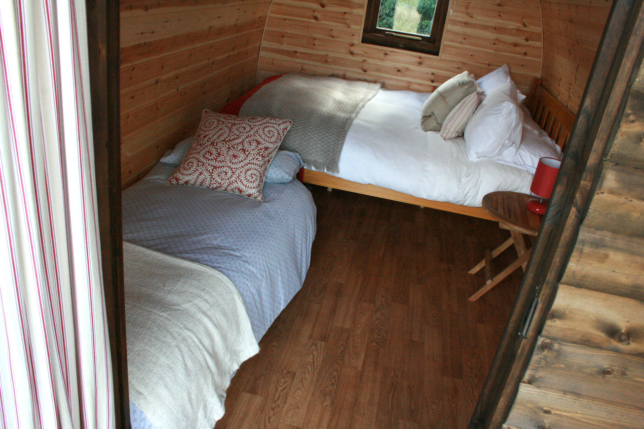 Glamping Cabins Warwickshire - Hilltop Hideaways Entrance