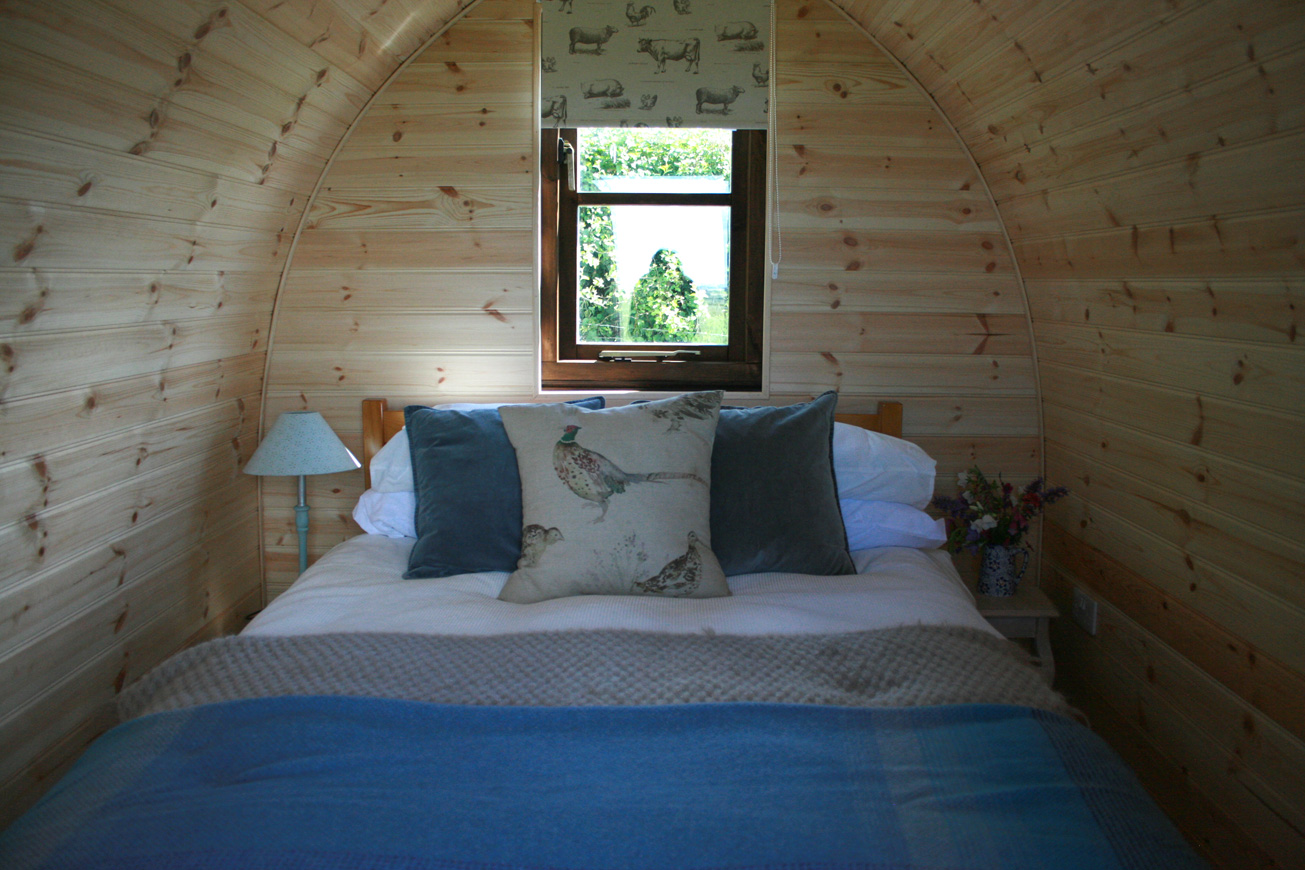 Glamping Pods Warwickshire - Hilltop Hideaways Bed