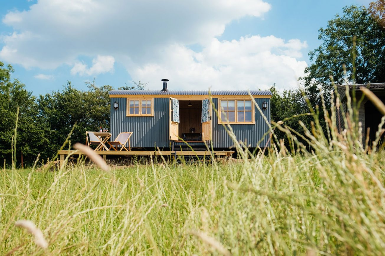 Shepherds Hut with Private Garden