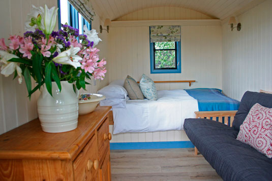 shepherds-hut-sm-02